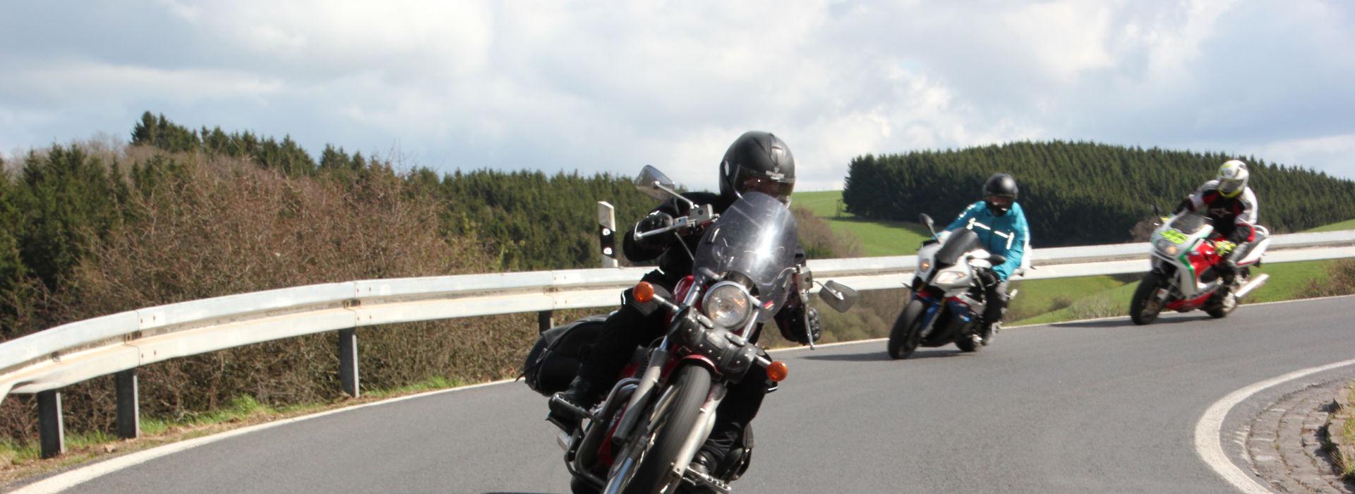 Motorrijbewijspoint Ravenstein spoedcursus motorrijbewijs